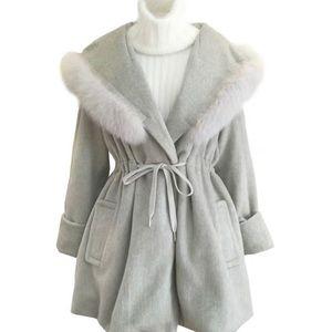 Grey coat with fur